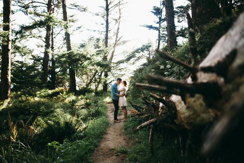 Matt & Beth -- Proposal on the Oregon Coast -- Whitney Justesen Photography-5.jpg