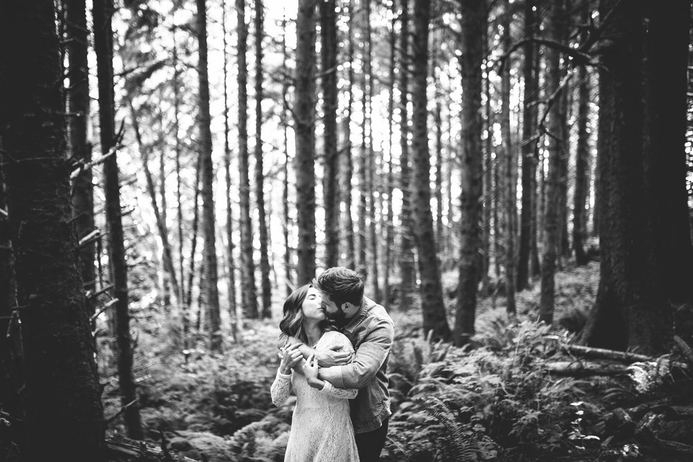 Matt & Beth -- Proposal on the Oregon Coast -- Whitney Justesen Photography-42.jpg