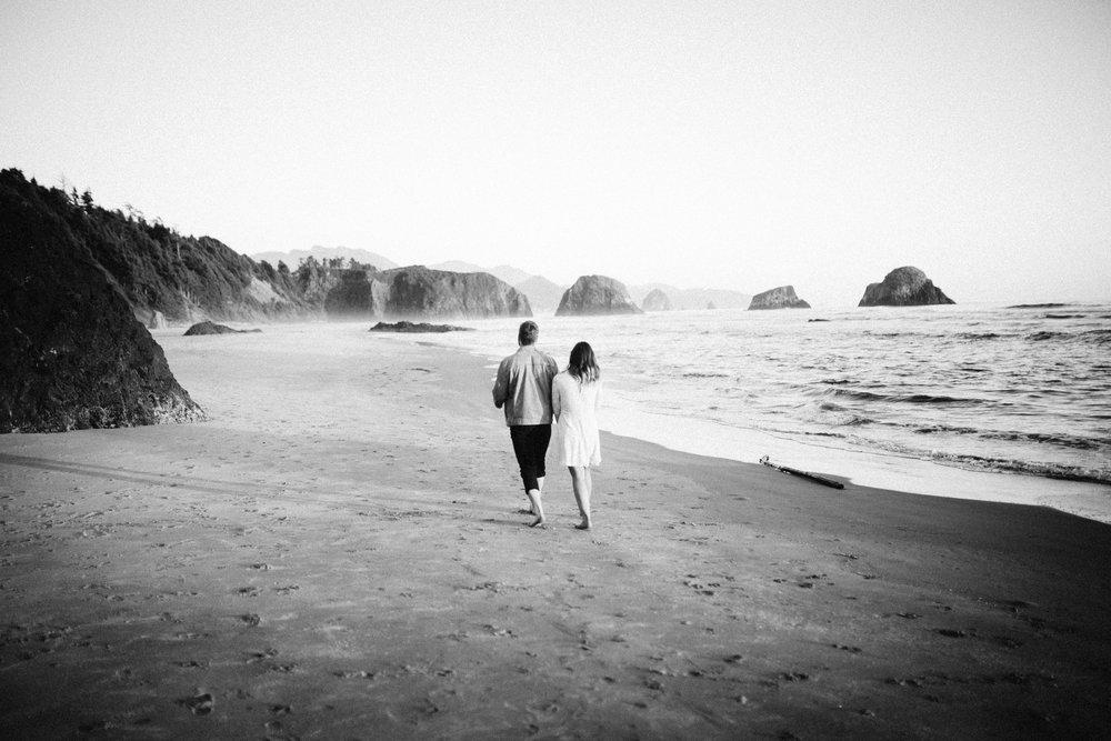 Matt & Beth -- Proposal on the Oregon Coast -- Whitney Justesen Photography-184.jpg