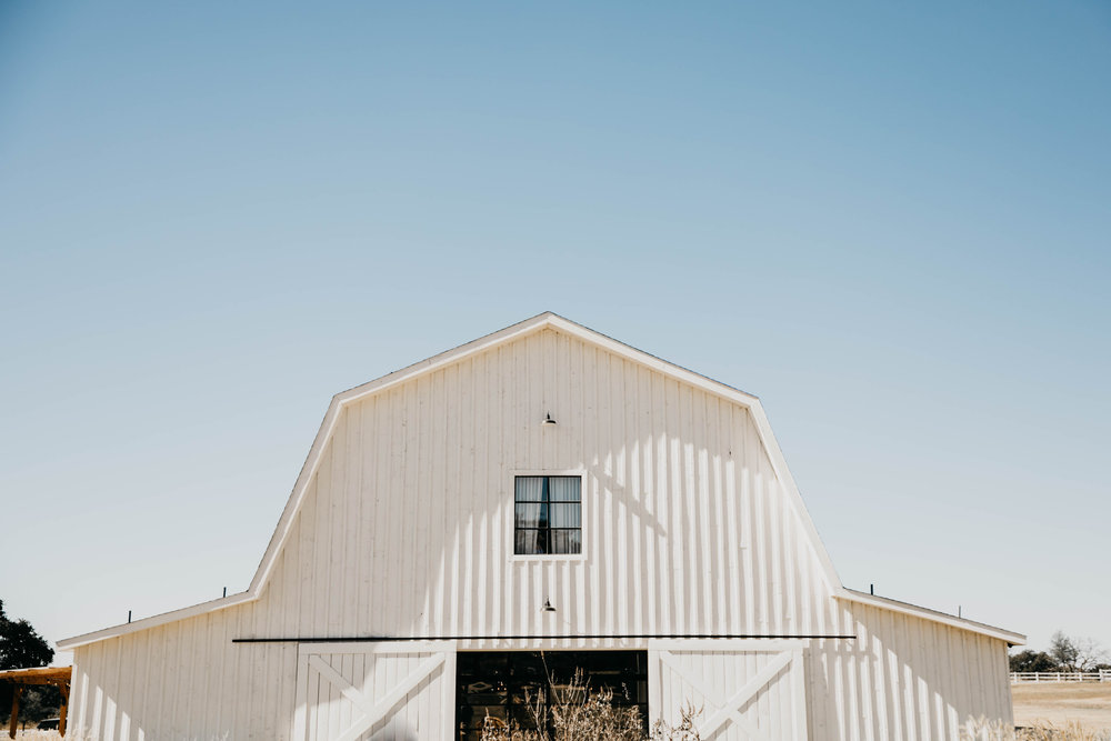Kendra + Nick -- A White Barn Wedding -- Whitney Justesen Photography-1.jpg