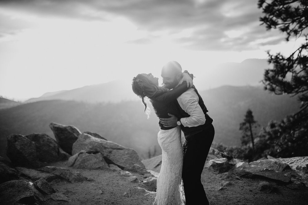 Amanda + Derek -- Intimate Yosemite Wedding -- Whitney Justesen Photography-412.jpg