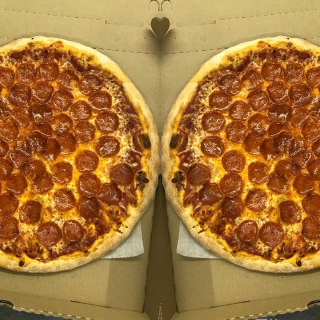 You can never have too much cheesy pepperoni pizza 🍕 #Thejunctionpizza #mtpleasantpa #eeeeeats #foodporn #🍕 #yummy #bestpizzaintown
