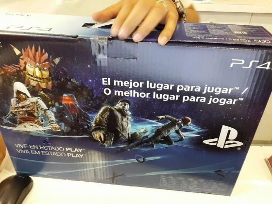 1 de Diciembre 2013. Oficialmente fui de los primeros en El Salvador en tener acceso a un PS4. No fue nada bonito… tengo una nota completa de mi experiencia aquí.