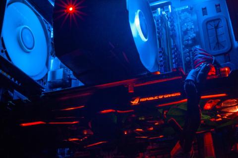 Nvidia Geforce GTX 1070 Strix OC, 8GB GDDR5. >6.47 Teraflops de poder.