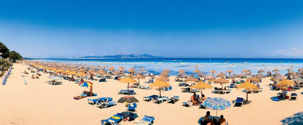 Playa_de_Muro_Beach_(6)_S.jpg
