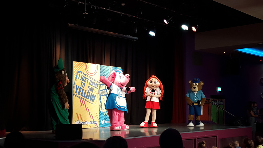 Kids and Family Evening Entertainment Show at Caister-on-Sea Haven Holidays.