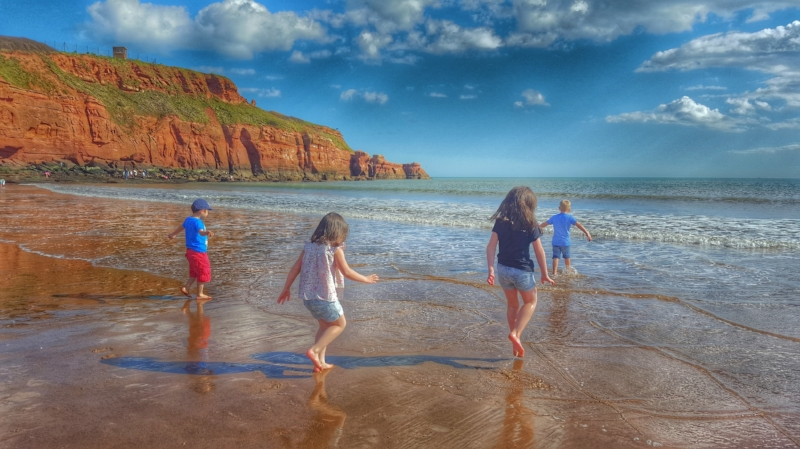 Devon Cliffs: The beach is fantastic for the children
