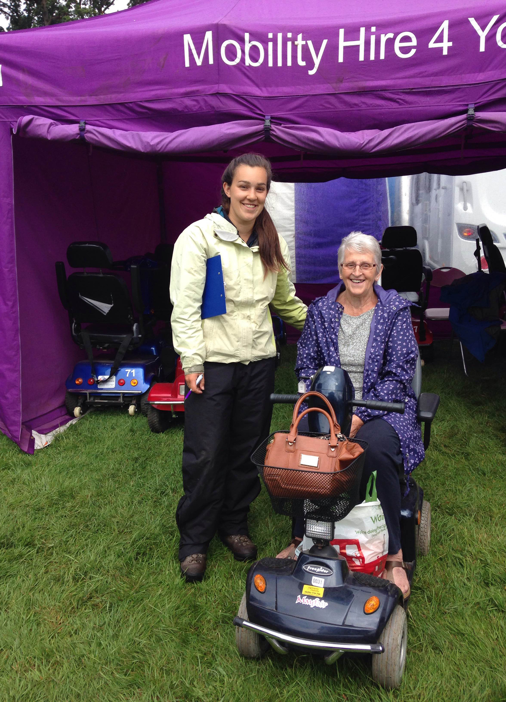One of our events team showing a customer the ropes at Sandringham Flower Show.
