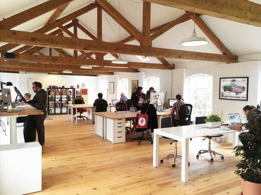 Co-working studio in Stroud   Light and spacious creative studio with stunning views   Get in touch