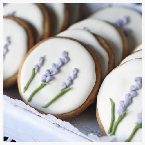 img_cookies_glase_lavanda.jpeg
