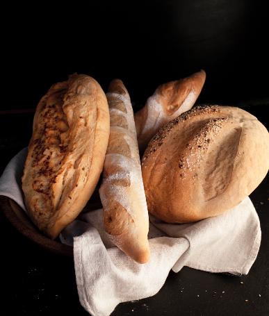 Pan de ajo, pan de campo, batta