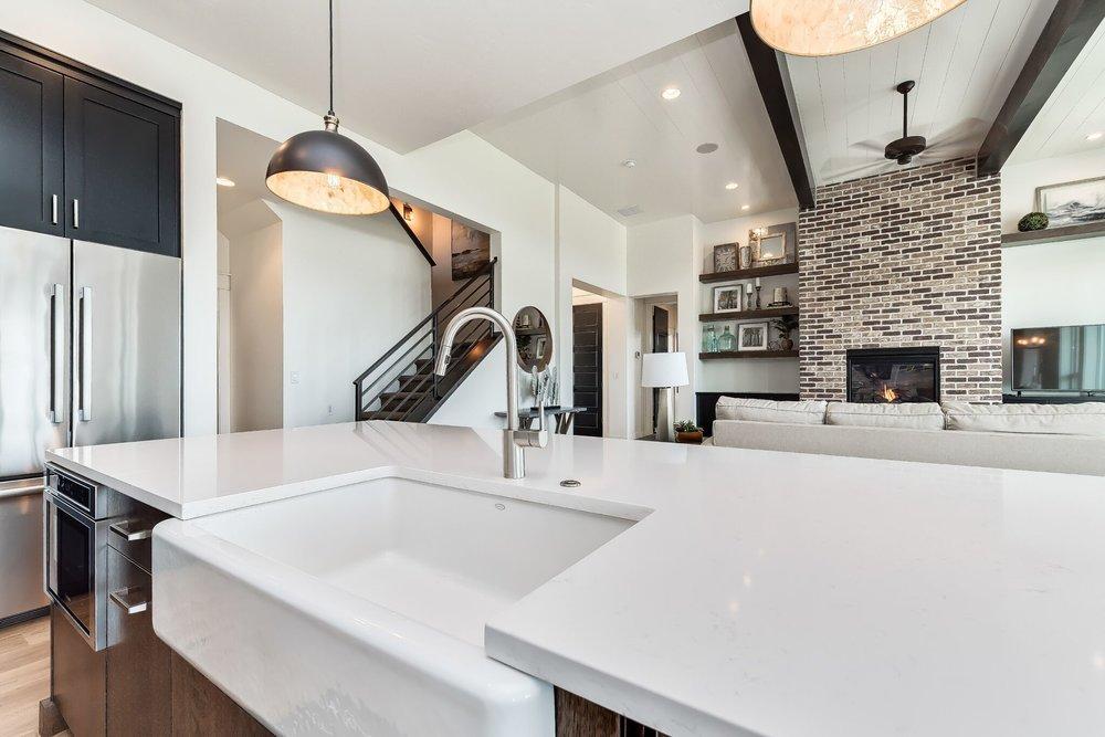 019_Kitchen View .jpg