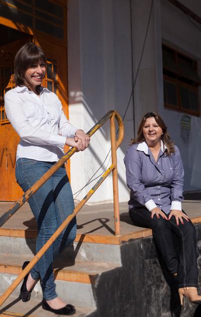 Como jornalistas Taísa Rodrigues e Sandra Moser.