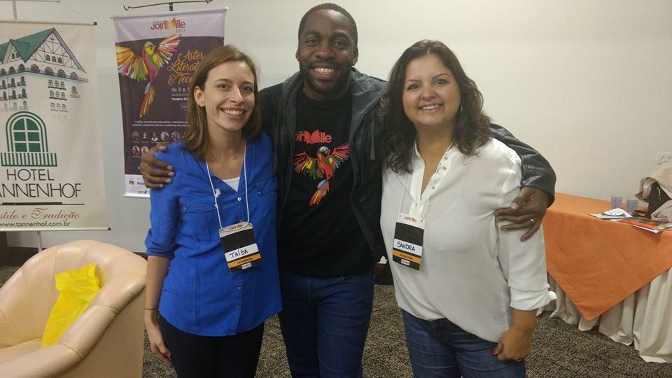 Com o incrível ator e escritor Lázaro Ramos, na Feira do Livro de Joinville, junho 2017!