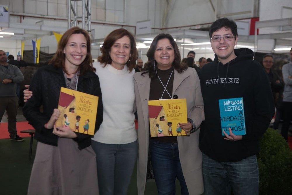 Mais uma da Feira do Livro de Joinville, junho 2017, desta vez com a super simpática e competente jornalista Miriam Leitão...até o Lucas Moser fez uma pontinha!