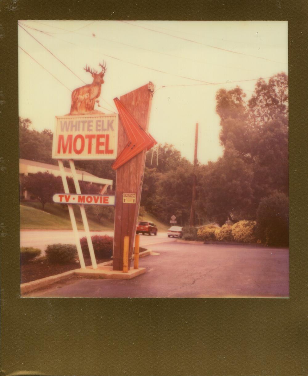 White Elk Motel Laurel MD 072014.jpg