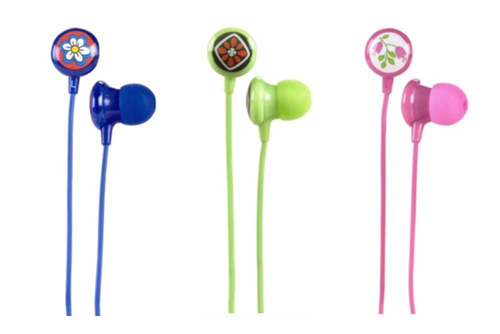 kristen-poissant-vera-bradley-designer-product-development-ear-buds-tech-product.png