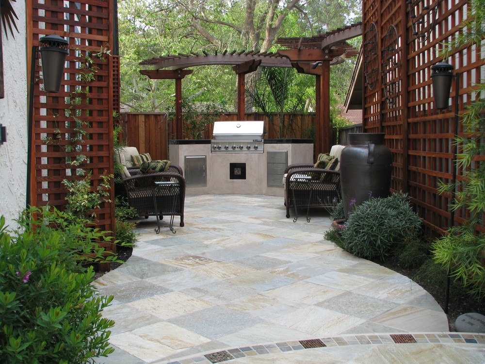 Award Winning Outdoor Kitchen and Patio