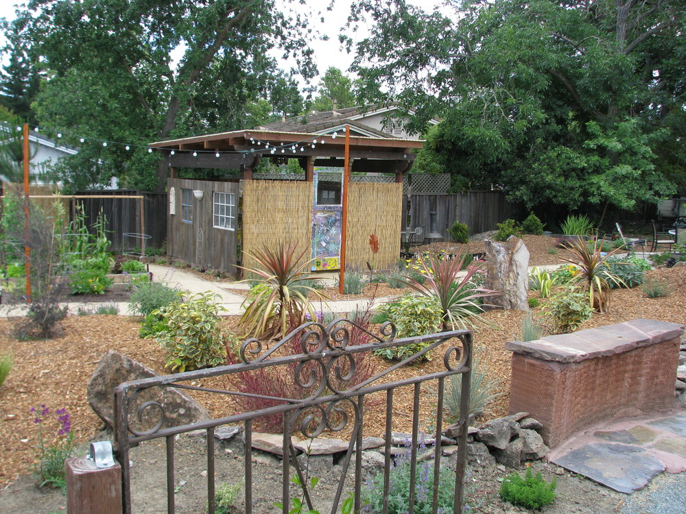 A hobby hut and sustainable garden decor built with reclaimed materials!
