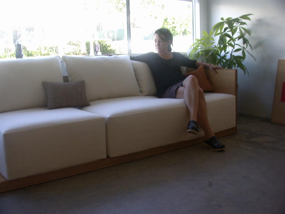 Kings Road Sofa With Leslie_detail