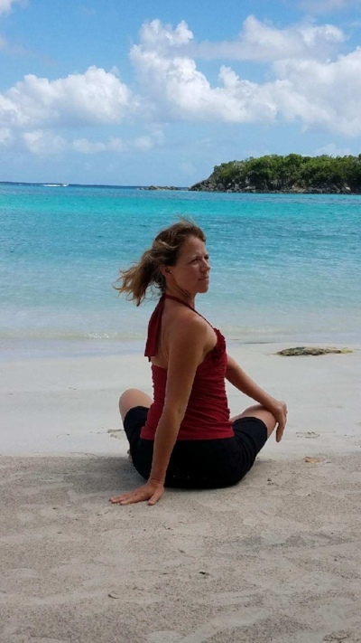 Sukhasana with a Twist – Happy Pose