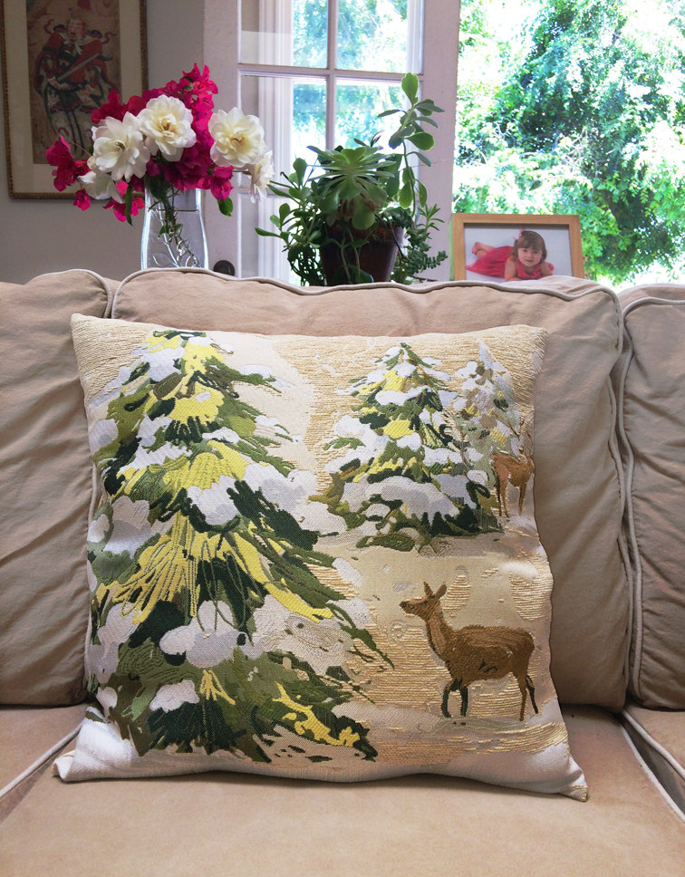 Reindeer-pillow-on-couch.jpg