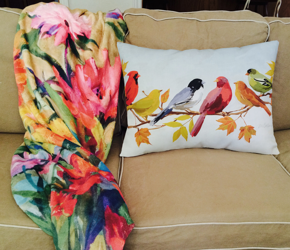Sofa,-fleece-throw,-bird-pillow.jpg