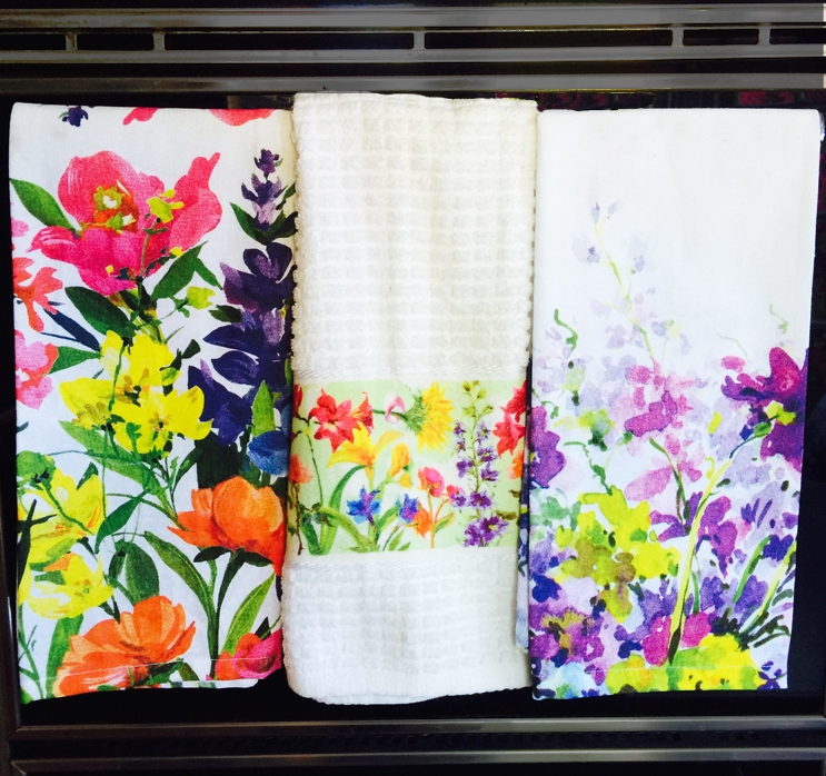 Kitchen-towels-on-oven.jpg