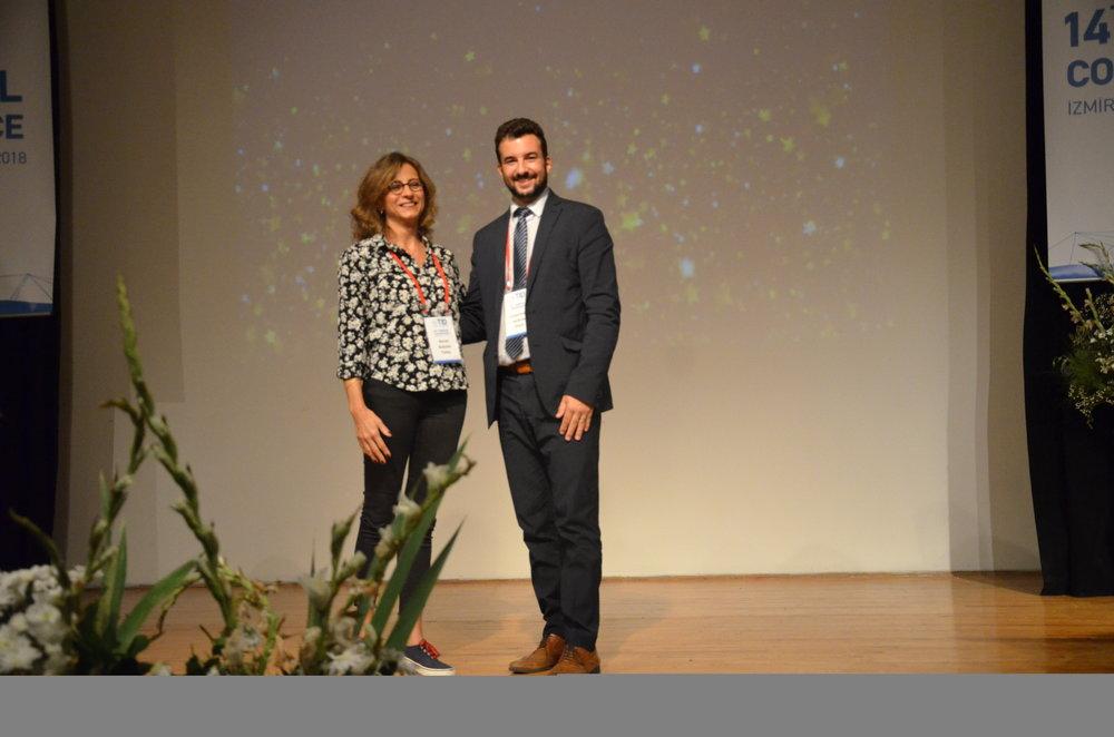 Prof. Dr. Nurcan Buduneli--Dernek Başkanı Dr. Constantine Vardavas.JPG