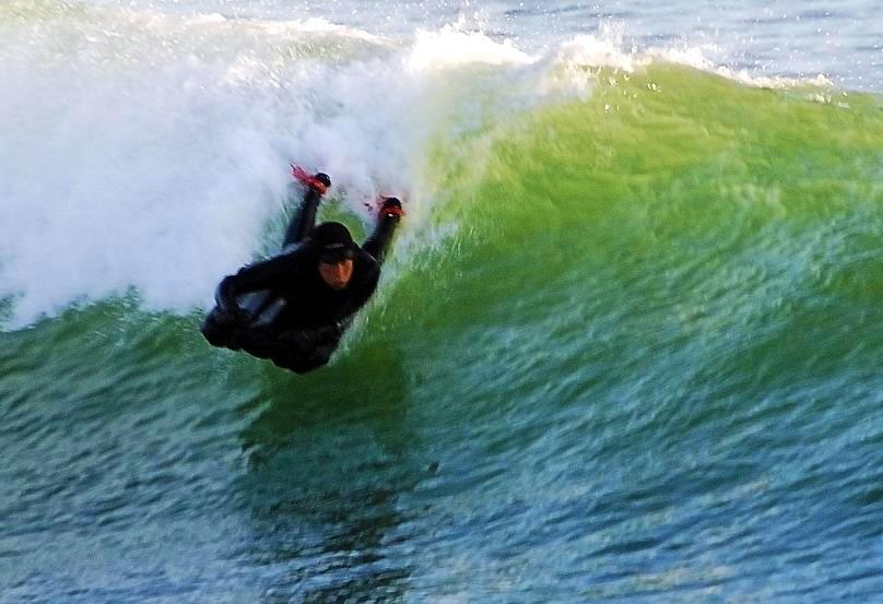 Ian-Wraith-at-Perranuthnoe-by-Splashography-2 surfmat surf mat.jpg
