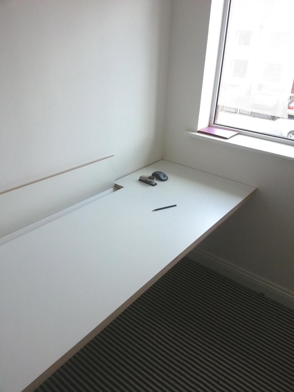 desk2.jpg
