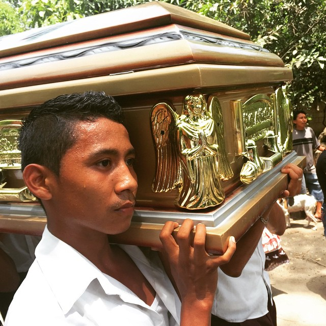 Guatemala prepares to bury a beloved priest. Memory eternal, Fr. Antonio Patá Tuctuc! #prayformissions #Guatemala