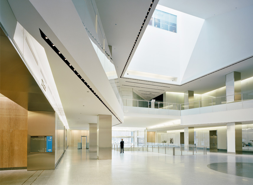 NATIONAL MUSEUM OF AMERICAN HISTORY Skidmore, Owings & Merrill - Architect of Record