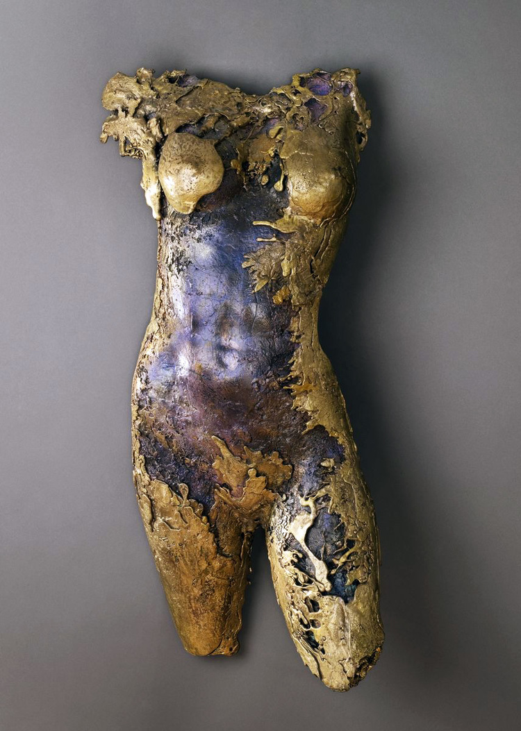 Madonna, 2002   Bronze, 31 x 16 x 5 inches, Private collection