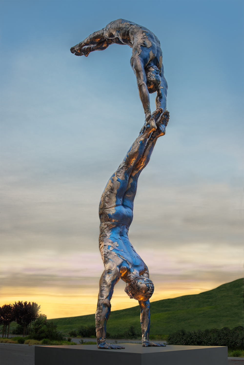 Monumental Double Diver, 2012-2014, Bronze, 312 x 44 x42 inches, Unique.