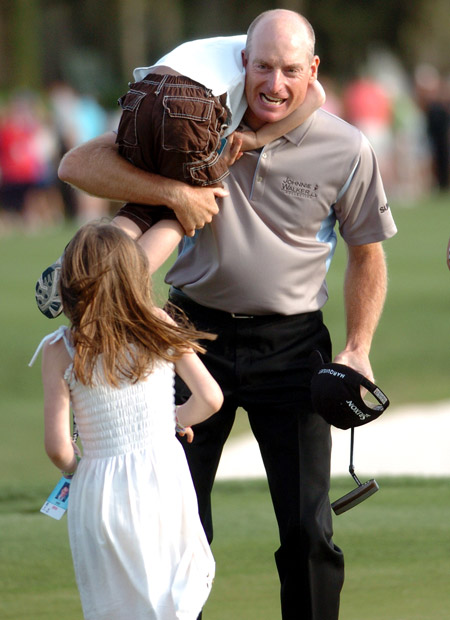Jim Furyk celebrates at Harbour Town (J.Dyer/IslandPacket)