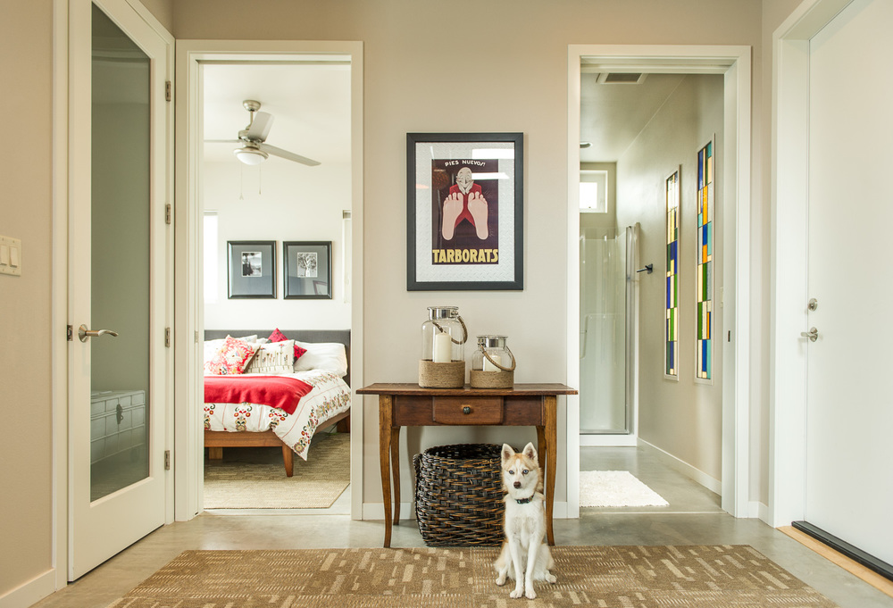 Entry with dog in Portland, Oregon