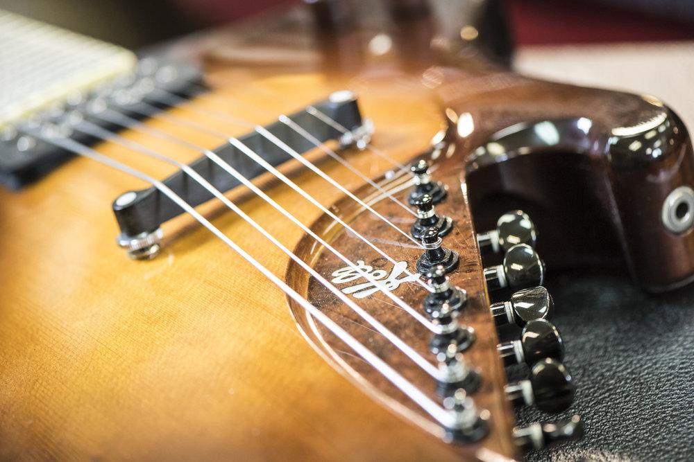 Saul Koll Guitars-9.jpg