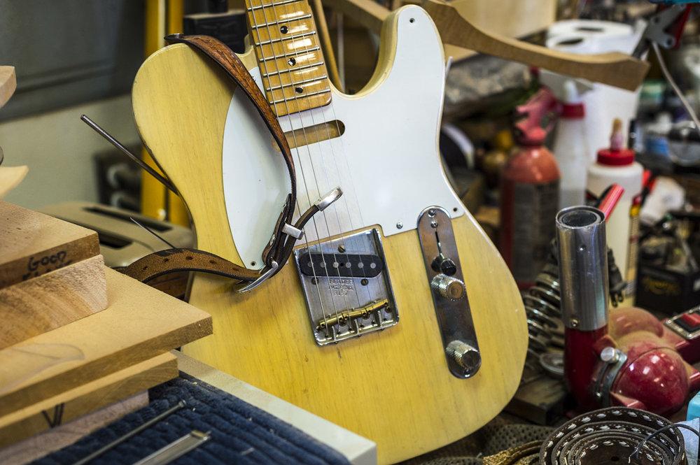 Saul Koll Guitars-10.jpg