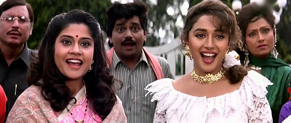 I'm pretty sure a part of me fell in love with Madhuri Dixit after watching this one.