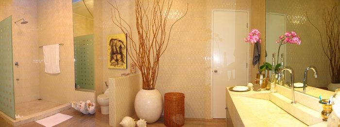 Villa Bola Bathroom 2.jpg