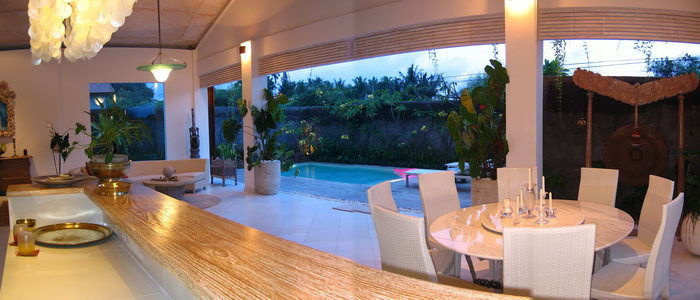Villa Bola Dining Space to Pool.jpg