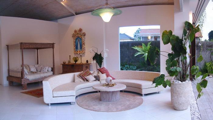 Villa Bola Living Space.jpg
