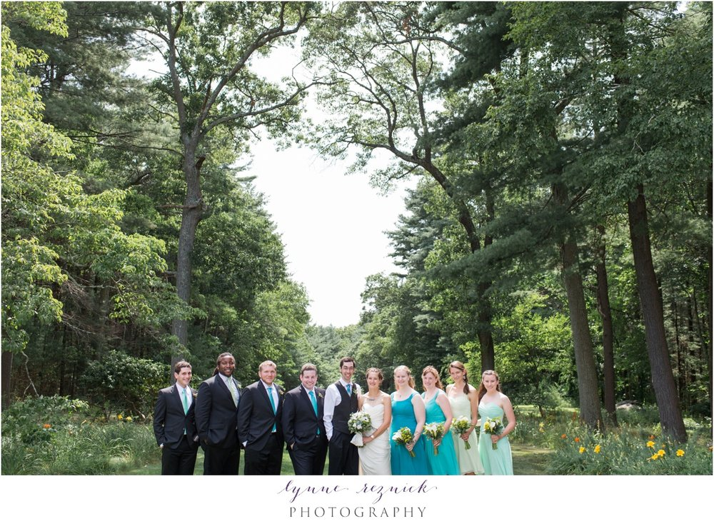 bridal party fun at the Bradley Estate rolling lawns
