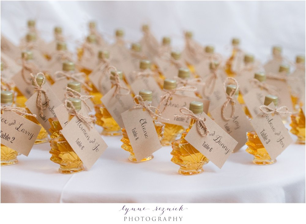 maple leaf maple syrup wedding placecards