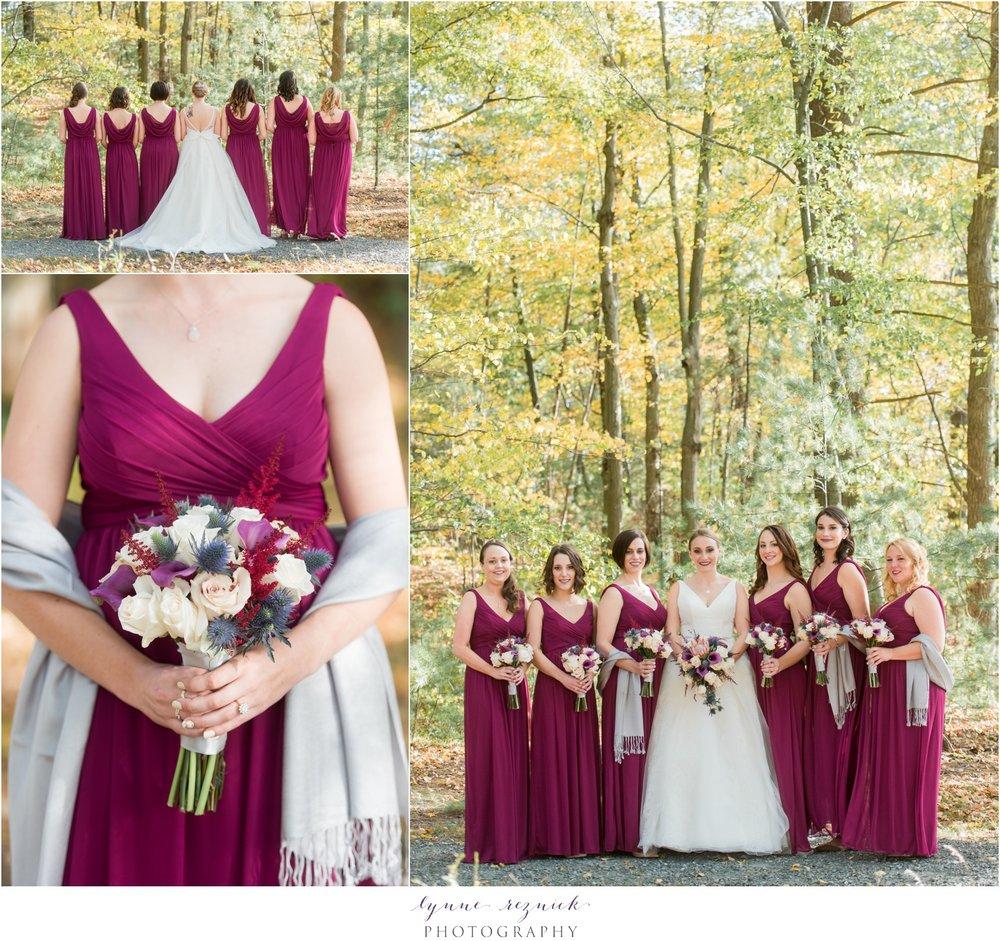 bridal party photos at saphire estate fall wedding