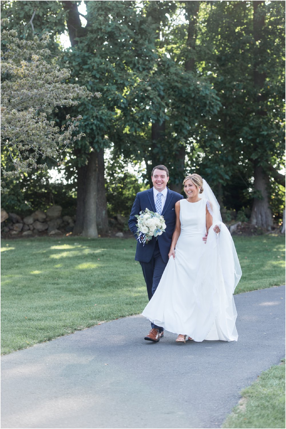 patterson club wedding couple takes a stroll
