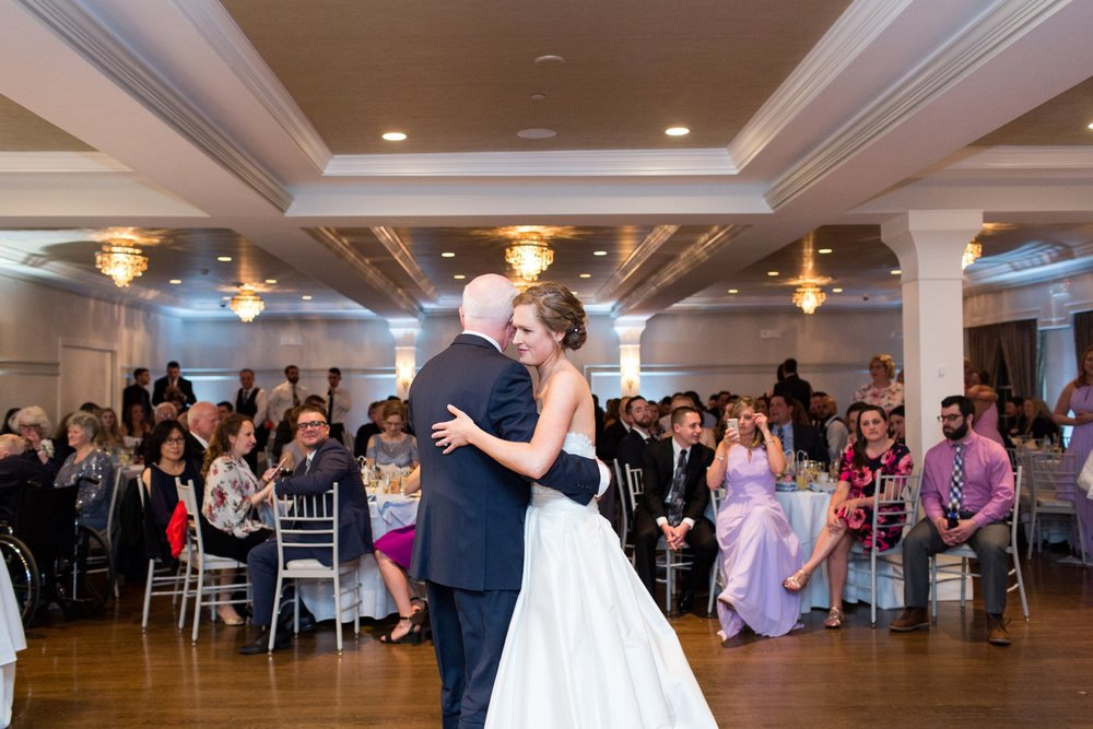 father daughter dance at saphire estate - upscale wedding venue in MA