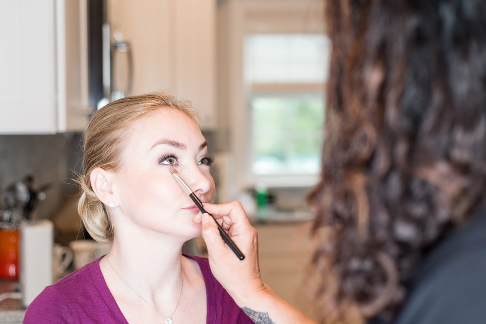 glen manor house wedding getting ready bride jessica d'amore makeup