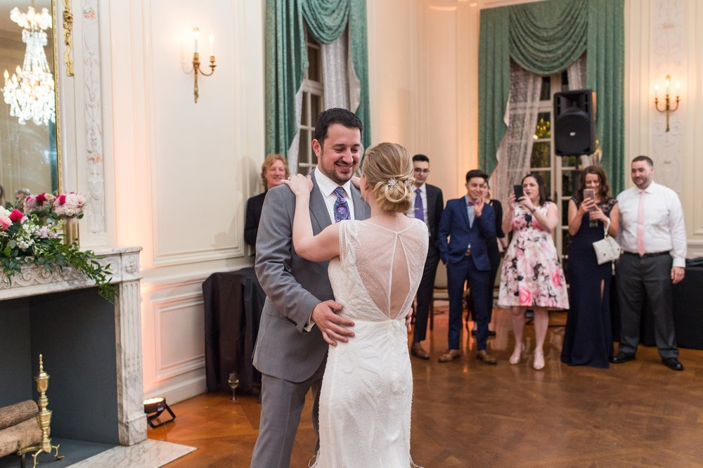 glen manor house wedding bride and groom surprise choreographed first dance